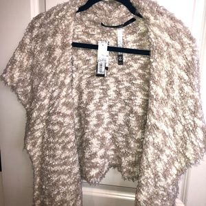 Faux fur kensie new with tags vest stunning colors